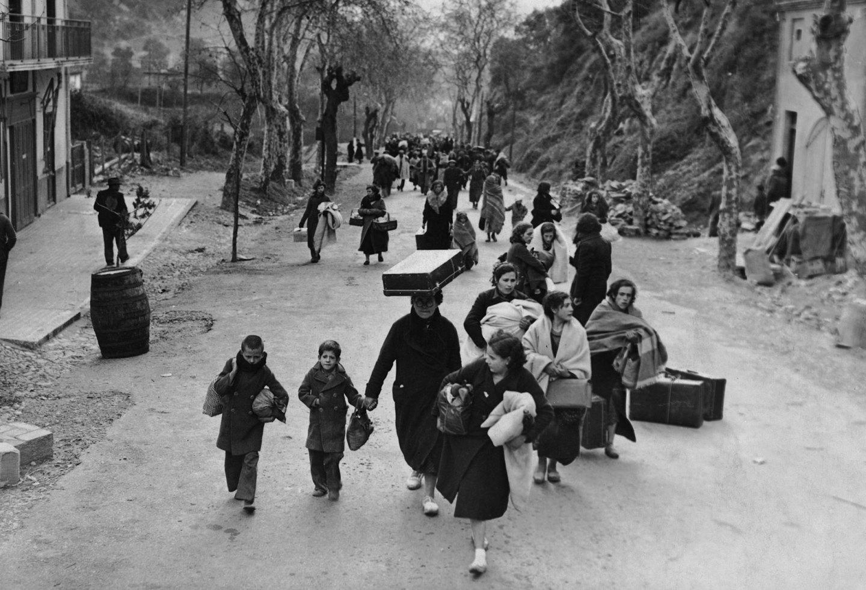 беженцы,чемодан