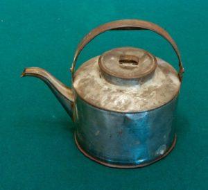 Чайник жестяной