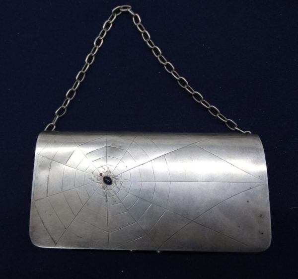 старинная серебряная сумочка с драгоценными камнями,металлический багаж