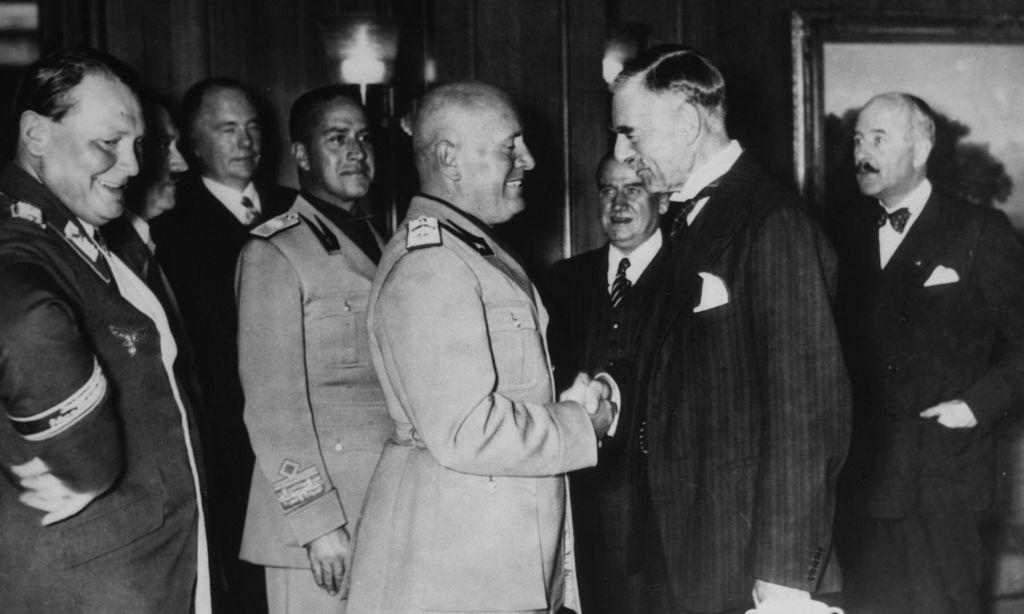 Муссолини с Чемберленом