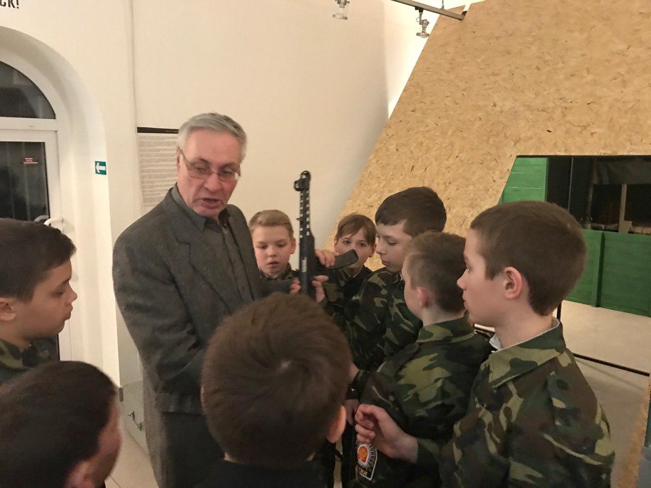 "Выставка ""Эвакуация от Невы до Камы"""