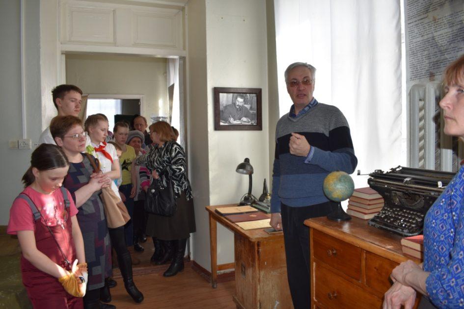"""Аркадий Константинов, выставка """"Эвакуация"""""""
