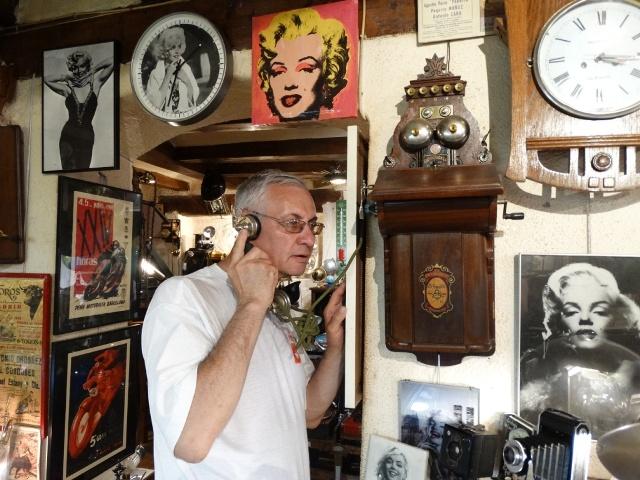 антикварный магазин, старинный телефон