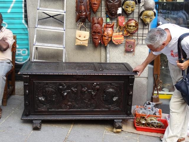 старинный сундук,блошиный рынок