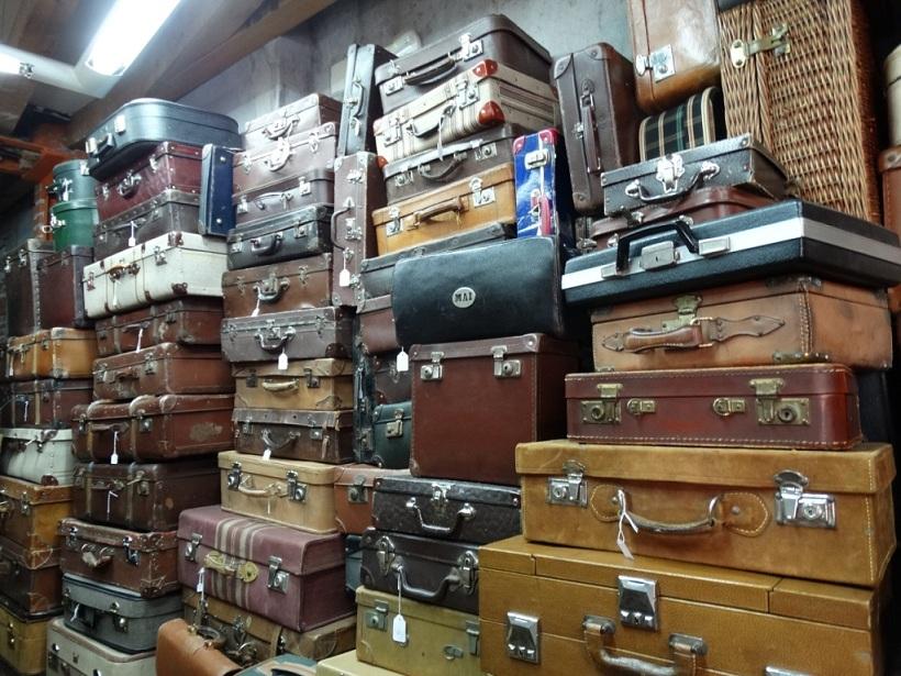 много чемоданов
