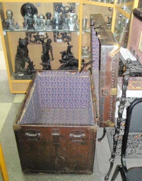 старинный сундук фабрики Демпих, Харбин