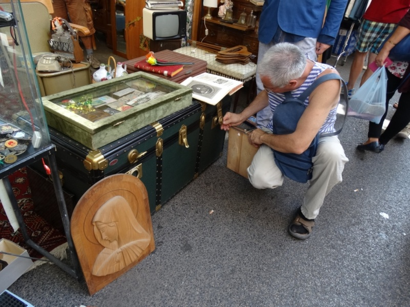 блошиный рынок Порта Портезе,кофр