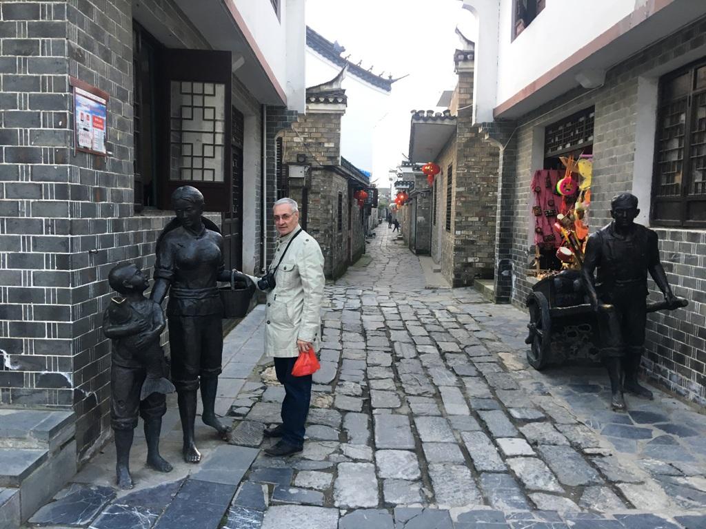 Аркадий Константинов, В улочка старинного китайского города Саньхэ,путешествие в Китай