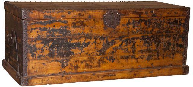 Китайский деревянный сундук
