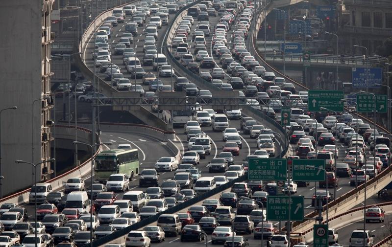 Шанхай, Китай,автомобили на дороге