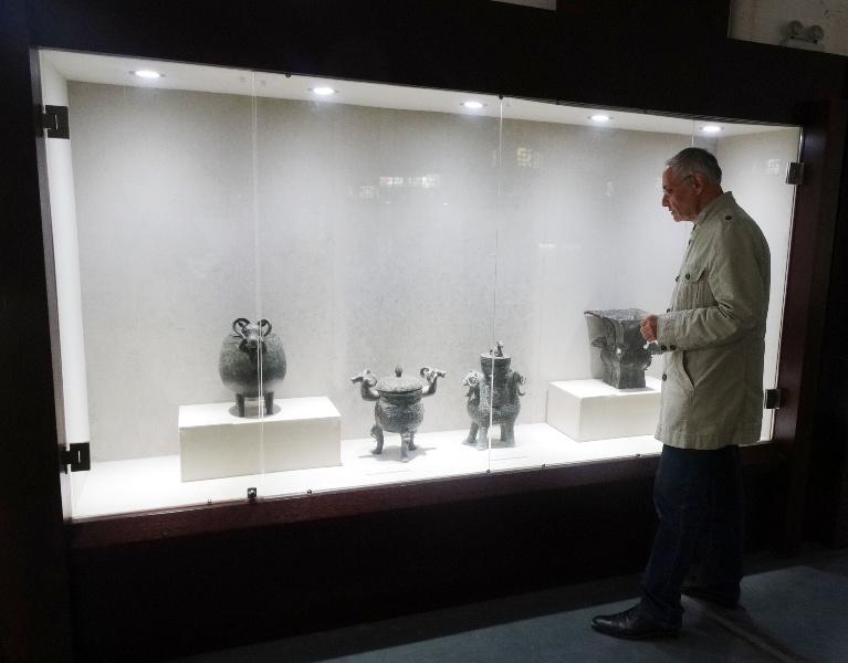 китайские древности,древняя статуэтка