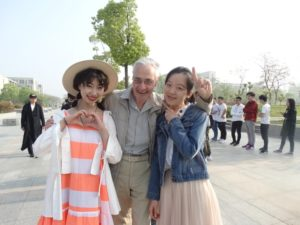 Аркадий Константинов с китайскими студентками,Хэфэй