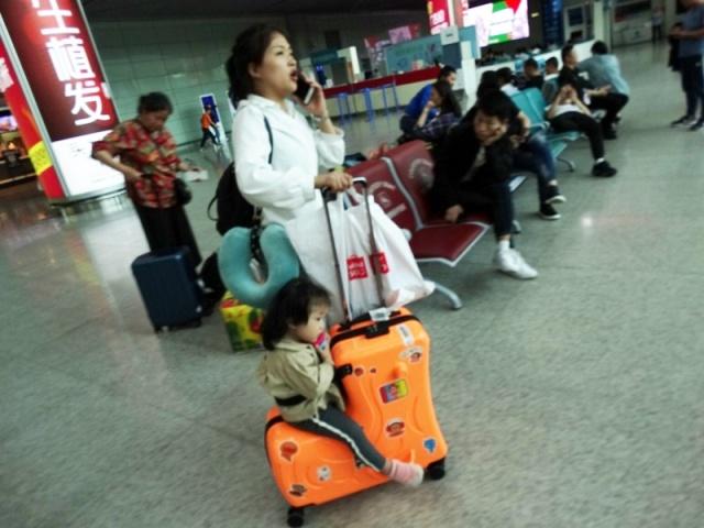 детский,оригинальный чемодан для ребенка,дизайн чемодана