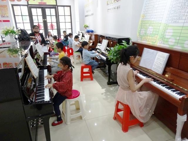 детская музыкальная студия в Китае