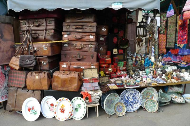 Шанхай,блошиный рынок Донг Тай,чемоданы