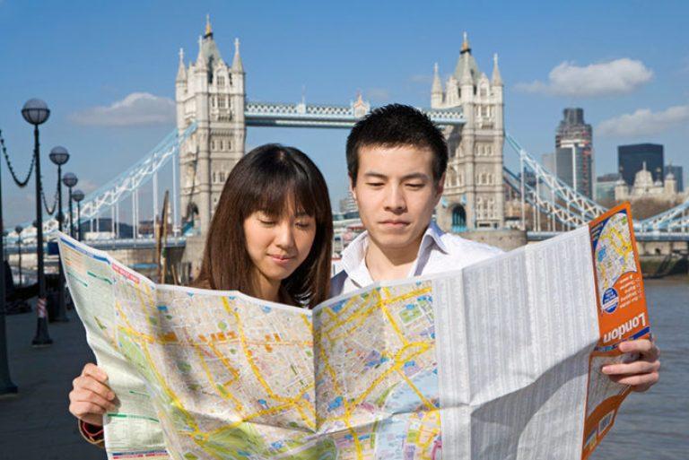 китайские туристы в Лондоне, Та́уэрский мост,Тауэр-бридж