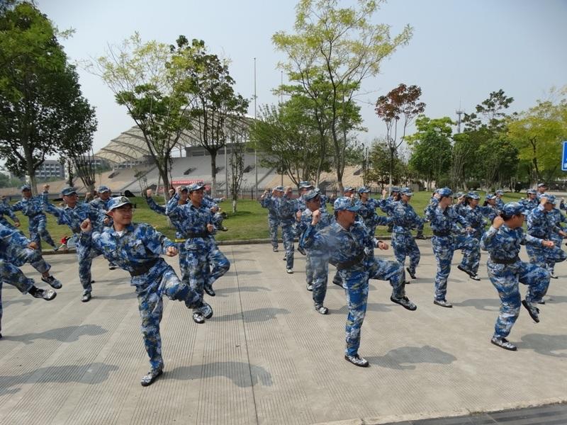 Аньхойский университет, ,военная подготовка,студенты
