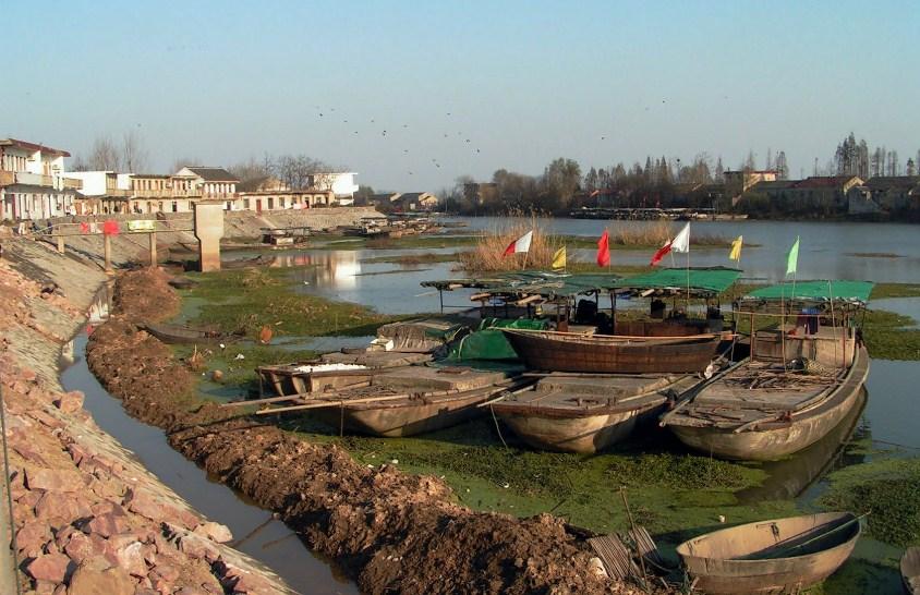 Хэфэй джонки на обмелевшей реке засуха