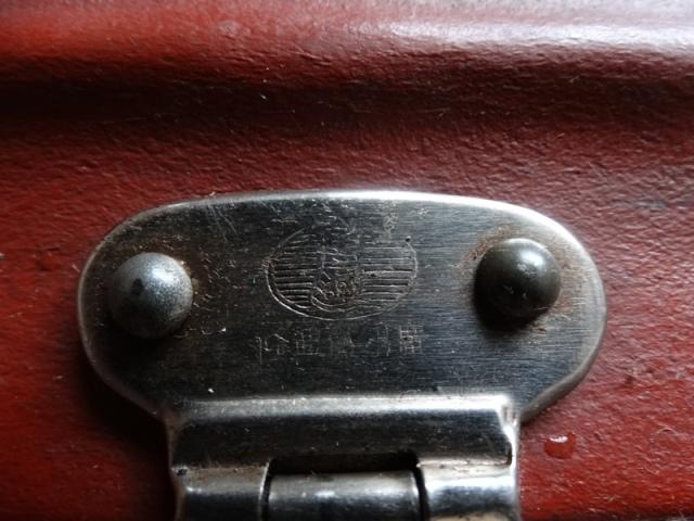 Клеймо,чемодан китайский коричневый старинный