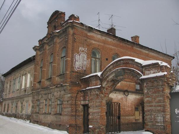 старинное здание,дом купца в Перми